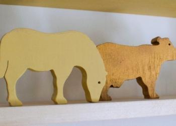 Wooden upcycled animals nursery