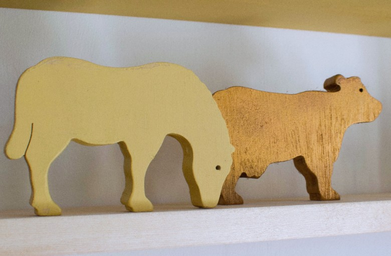 Wooden upcycled animals nursery